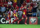 Chùm ảnh: Gareth Bale đánh đầu, sút phạt ghi bàn ở vòng loại EURO 2016