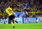 Welbeck tịt ngòi, Arsenal phơi áo trước Dortmund