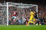 Chùm ảnh: Falcao góp mặt trong đội hình tệ nhất vòng 5 Premier League
