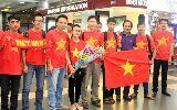 Chùm ảnh: Tuyển nữ được chào đón khi trở về Việt Nam