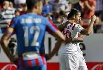 Chùm ảnh: Real và Barca hả hê với ngày Chủ nhật ma ám tại La Liga