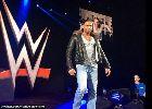 Chùm ảnh: Điểm tin hậu trường 17/11: Cựu thủ môn Tim Wiese hớn hở ra mắt sàn đô vật WWE