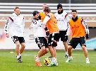 Chùm ảnh: Buổi tập của Real Madrid trước khi lên đường đến Malaga