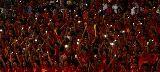 Chùm ảnh: Hàng ngàn chiếc điện thoại di động thắp sáng sân Mỹ Đình
