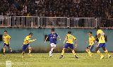 Chùm ảnh: Công Phượng giữa muôn trùng vây cầu thủ V-League