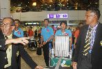 Chùm ảnh: Tuyển Việt Nam đổ bộ xuống Malaysia