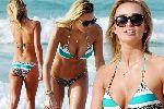 """Vợ Gerrard khoe dáng """"nuột nà"""" với bikini nhỏ xíu"""