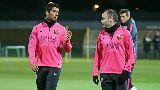 Chùm ảnh: Pique lăn vào lưới, Barca chờ xem tài năng David Moyes