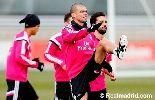 Chùm ảnh: Pepe trở lại, Ronaldo hăng hái tập luyện cho trận Deportivo