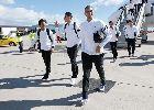 Chùm ảnh: 200 fan chào đón Real Madrid khi hạ cánh xuống Elche