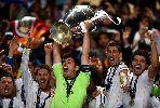 Chùm ảnh: Roberto Carlos gạt Messi và CR7 khỏi đội hình trong mơ