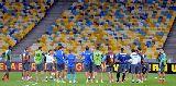 Chùm ảnh: Chùm ảnh: Napoli tất bật luyện tập tại Ukraine