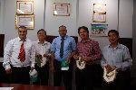 Chùm ảnh: Lãnh đạo Liên đoàn Vovinam Châu Phi dâng hoa viếng Chủ tịch Hồ Chí Minh