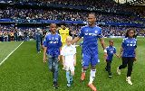 Chùm ảnh: Màn đăng quang ngôi vương hoành tráng của Chelsea