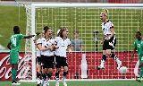 Chùm ảnh: Tuyển nữ Đức thắng 10-0 trước Bờ Biển Ngà