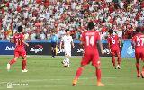 Chùm ảnh: Công Phượng lủi thủi rời sân với cánh tay băng bó