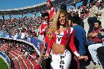 Chùm ảnh: Fan nữ Paraguay làm nóng khán đài Chile