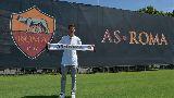 Chùm ảnh: Chùm ảnh: Szczesny bay lượn bắt gôn trong màu áo AS Roma