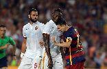 Chùm ảnh: Messi húc đầu, bóp cổ cầu thủ Roma ở trận Barca thắng 3-0