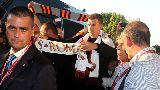 Chùm ảnh: Chùm ảnh: Dzeko đặt chân đến AS Roma
