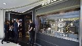 Chùm ảnh: Chùm ảnh: Trezeguet chuyển nghề làm thợ lắp đồng hồ?
