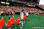 Chùm ảnh: Dự lễ ra mắt hoành tráng, Otamendi xem như ở lại Valencia