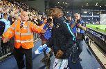 Chùm ảnh: Điểm tin hậu trường 11/08: Tân binh Man City 'vượt rào' vì fan, 'bom tấn' của West Ham mang nhục vì nhầm hàng