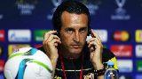 """Chùm ảnh: Sevilla vừa tập vừa lo cảnh """"mình trần"""" chống Barcelona"""
