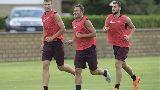 Chùm ảnh: Chùm ảnh: Buổi tập đầu tiên của Dzeko trong màu áo AS Roma