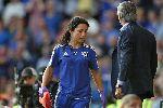 Mourinho và 10 tấm bia đỡ đạn khi đội nhà thua trận