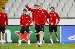 Chùm ảnh: Chùm ảnh: M.U tập luyện tại Bỉ chờ giành vé Champions League