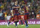 Chùm ảnh: Vermaelen hóa người hùng trong mắt Messi, Neymar và Suarez