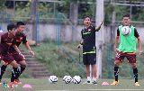 Chùm ảnh: U19 Việt Nam tập sút luân lưu trước trận gặp U19 Myanmar