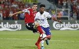 Chùm ảnh: Chùm ảnh: Veloso 'cứu' Bồ Đào Nha, không giúp được Ronaldo