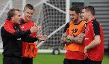 Chùm ảnh: Chùm ảnh: Sturridge tập luyện sung sức, Man United nguy to