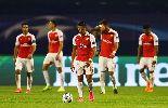 Chùm ảnh: Chùm ảnh: Giroud hóa 'máy chém', Arsenal học đòi Man City, Man United