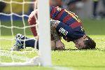 Chùm ảnh: Chùm ảnh: Suarez lập cú đúp, Messi phải nghỉ 8 tuần