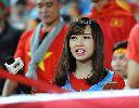 Chùm ảnh: Nữ phóng viên hút hồn fan hâm mộ Mỹ Đình