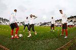 Chùm ảnh: Hảo thủ nghỉ trận, cầu thủ trẻ Bồ Đào Nha tích cực tìm suất đá chính