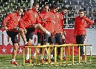 Chùm ảnh: Nghiêm túc tập luyện, Torres chờ cơ hội ghi bàn 100 cho Atletico Madrid
