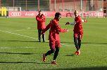 Chùm ảnh: Arjen Robben trở lại tập luyện cùng Bayern