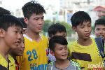 Chùm ảnh: Fan nữ Sài thành quây kín hot boy Duy Mạnh ở VCK U21 Quốc gia 2015