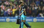 Chùm ảnh: Chamberlain và Walcott dính chấn thương, Arsenal thua nhục trước đội hạng 2