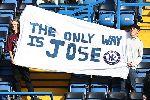 Chùm ảnh: 'Siêu nhân' Coutinho hủy diệt Chelsea, 'dí dao' vào cổ Mourinho