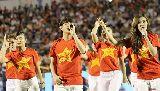 """Chùm ảnh: Ca sĩ Ông Cao Thắng, Đông Nhi """"tiếp lửa"""" giải U21 Quốc tế 2015"""