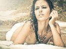 """Samira Salome: Người đẹp """"đốt cháy"""" đường đua moto GP"""