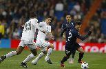 Chùm ảnh: Ronaldo lập poker, Benzema ghi hat-trick hủy diệt
