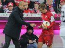 Chùm ảnh: Bằng mảnh giấy bí ẩn, Pep đưa Bayern trở lại mạch chiến thắng