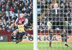 Chùm ảnh: Chân gỗ Olivier Giroud cán mốc 50 bàn, Arsenal tạm chiếm ngôi đầu bảng