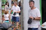 Chùm ảnh: Bỏ mặc Chelsea, Abramovich cưỡi du thuyền tiền tỷ đi du hí
